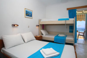 Three Bed Studios Apartments with Bunk Bed
